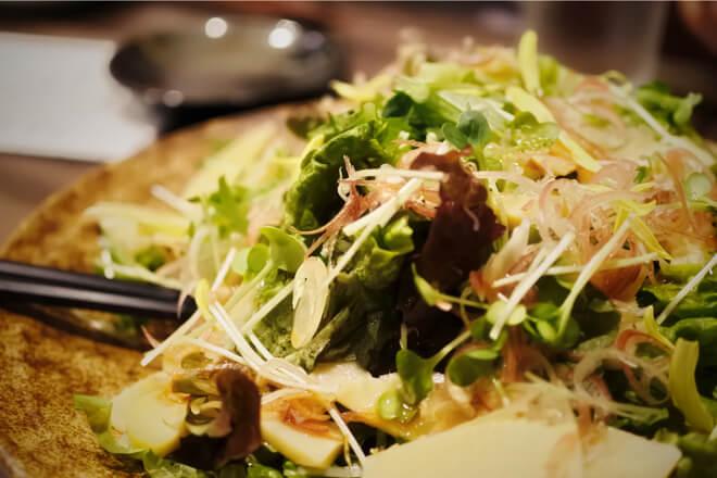 雷井土音 梅麹漬け鰹と筍のサラダ