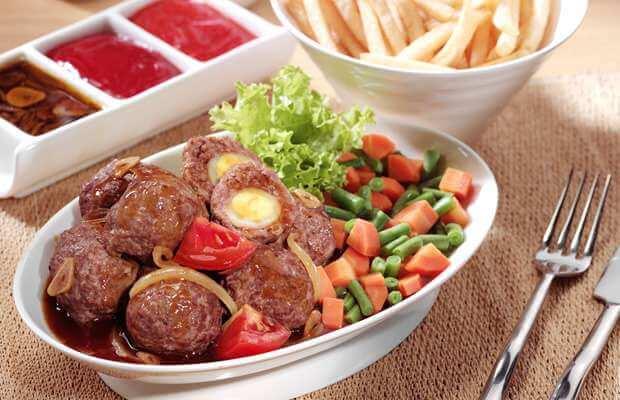 8. Telur Selimut Daging
