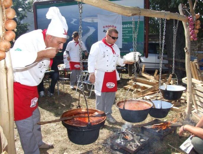 Festival Goulash Semur Daging Sapi Spesial ala Hungaria