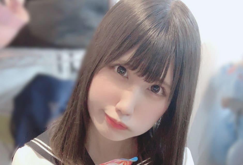 Одержимый фанат нашел японскую певицу по отражению в ее глазах
