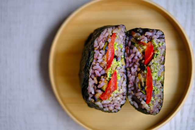 Еда, Онигиразу, бутерброд японский с рисом.