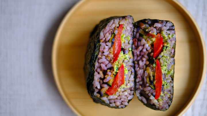 3 рецепта бутербродов Onigirazu. Японский сэндвич