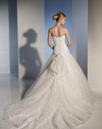 Sophia Tolli Y21142 size 4 Diamond White $1575 (3)