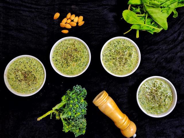 Broccoli_Spinach_Almond_soup