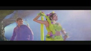 Ramya_Buiseman_Business Man leaked song - Mahesh Babu - YouTube[(003119)19-52-31]