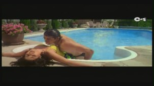 Twinkle's Sensuous Track - Halka Halka Dard Hai - International Khiladi _ HQ - YouTube(3)[12-43-50]