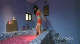 Mallika - Bikini Scenes - Sheena Nayyar - Sammir Dattani - Mamik - YouTube(2)[(003626)21-22-42]