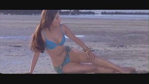 Sophie Choudary hot scene-Daddy Cool -[(001491)19-34-46]