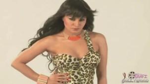 Hot Veena Malik MASSIVE Photoshoot Blunder! - YouTube(3)[20-09-08]