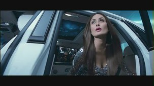 Main Heroine Hoon - Heroine Official New Full Song Video feat. Kareena Kapoor - YouTube[(002657)20-05-42]