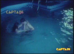 Silk Is Thirsty In Swimming Pool - YouTube(2)[(000689)19-49-13]