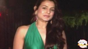 Amisha Patel Unbearable Wardrobe See Through - YouTube(2)[19-16-23]