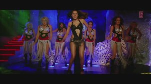 _Ho Gayi Tun (Full HD Song)_ Players _ Abhishek Bachchan _ Bipasha Basu - YouTube(6)[20-51-20]