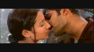 Mellagaa - Trisha Rain Song From Varsham Video Song HQ - YouTube[(000406)19-31-26]