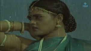Na Oohala (Paaripoyina Kaidilu) - Silk Smitha - YouTube[21-14-06]