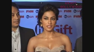 Chitrangada Singh DARK Beauty Cleavage EXPOSED! - YouTube[20-31-00]