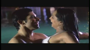 Doli And Suraj's Steamy Kiss - Meghna Naidu - Classic Dance Of Love - Hit Hindi Movie - YouTube(2)[(000090)20-39-16]