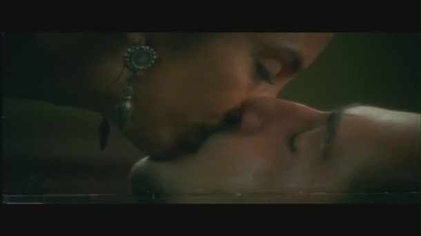 Kamal Sadanah and Suchitra Pillai Kissing Scene - Karkash - Bollywood Bedroom Romance[20-12-18]