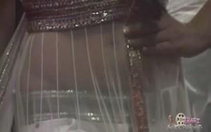 Shriya Saran Deep Neck Tight Choli - YouTube(2)[(000593)19-01-23]