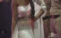Shriya Saran Deep Neck Tight Choli - YouTube(2)[(001578)19-02-27]