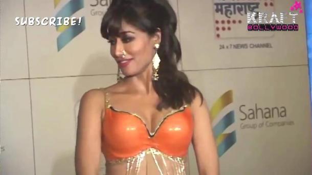 Chitrangada Singh Orange BRA!! - YouTube(2)[(001135)18-38-46]