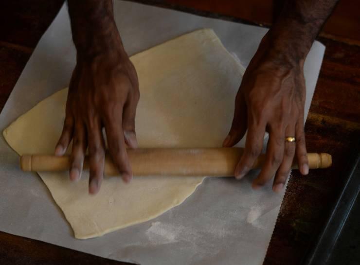 indian-vegetable-puffs-dough-technique-1