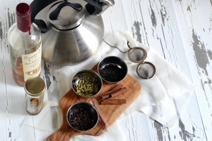 saffron-ice-tea-rum-cocktail-recipe-ingredients