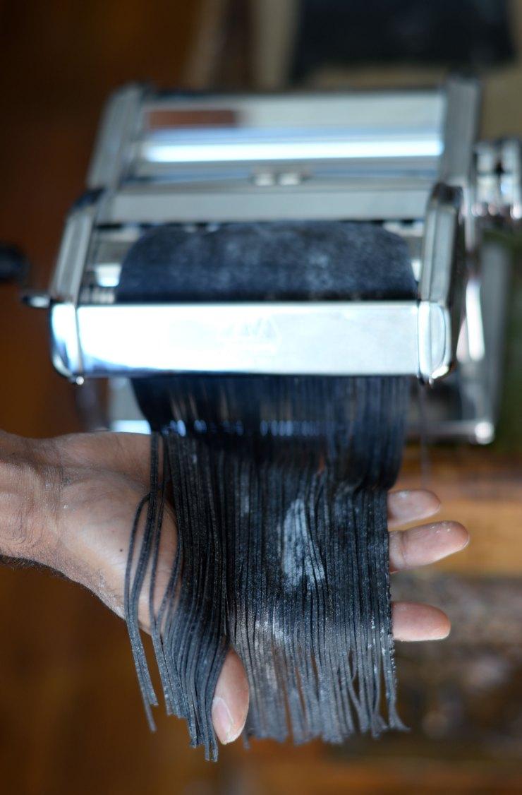 squid-ink-cappellini-pasta-machine