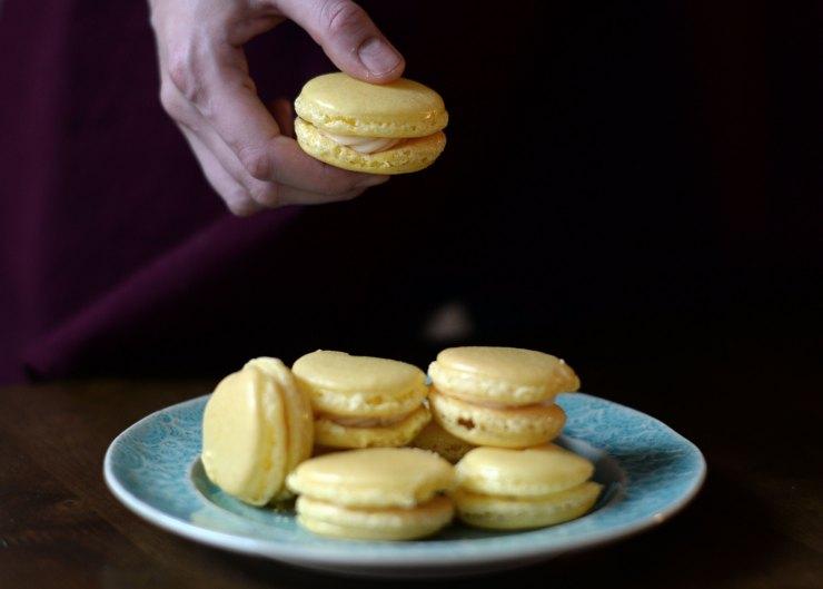 how-to-bake-macarons