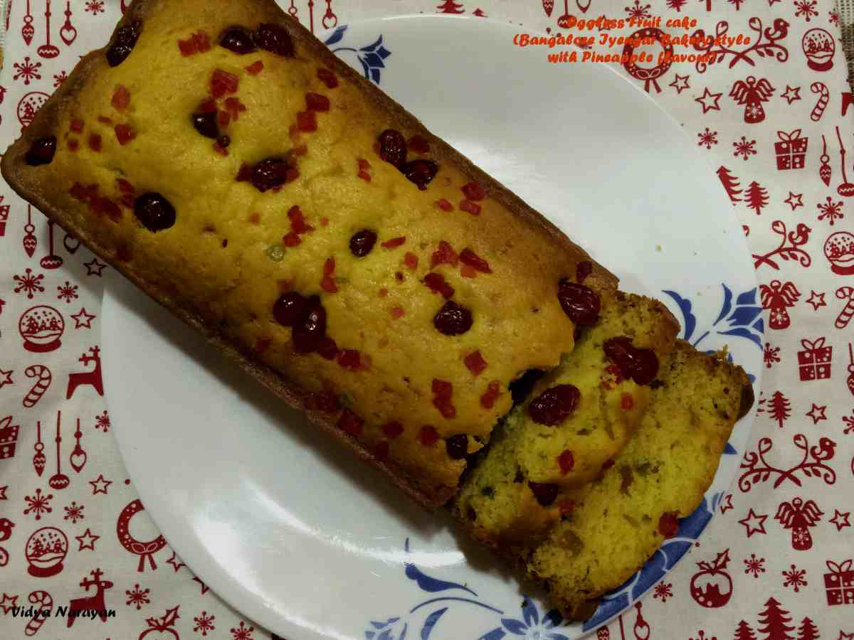 IMG_1106 pineapple fruit cake 2 (1).jpg
