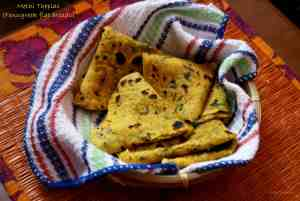 Methi Thepla / Fenugreek Leaves Flatbreads
