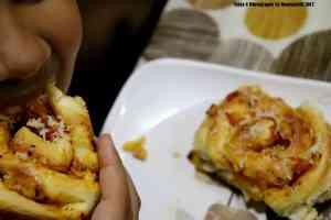 Pizza Flavoured Pull Apart Bread Rolls