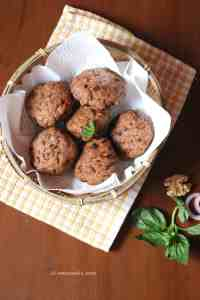 Nachni Buns flavoured with caramelised onions, walnuts and flax seeds