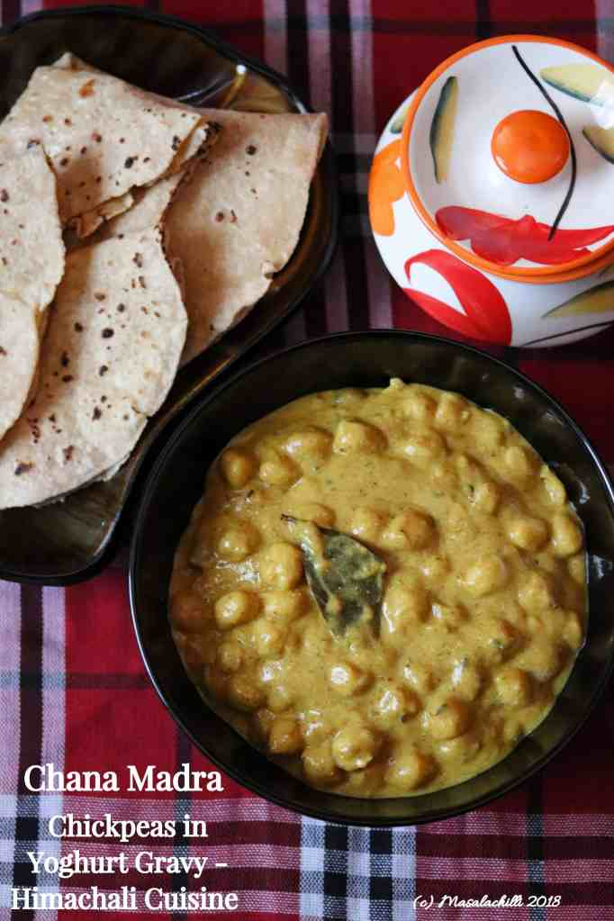 Chana Madra / Chickpeas in Yoghurt gravy