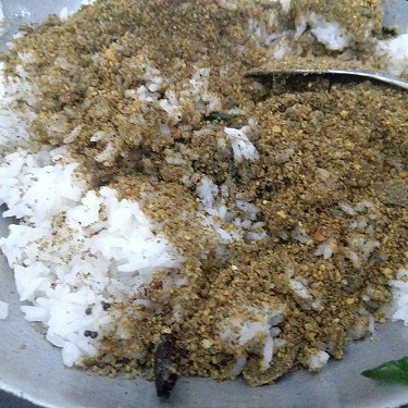 Rice and ellu podi mixed with salt