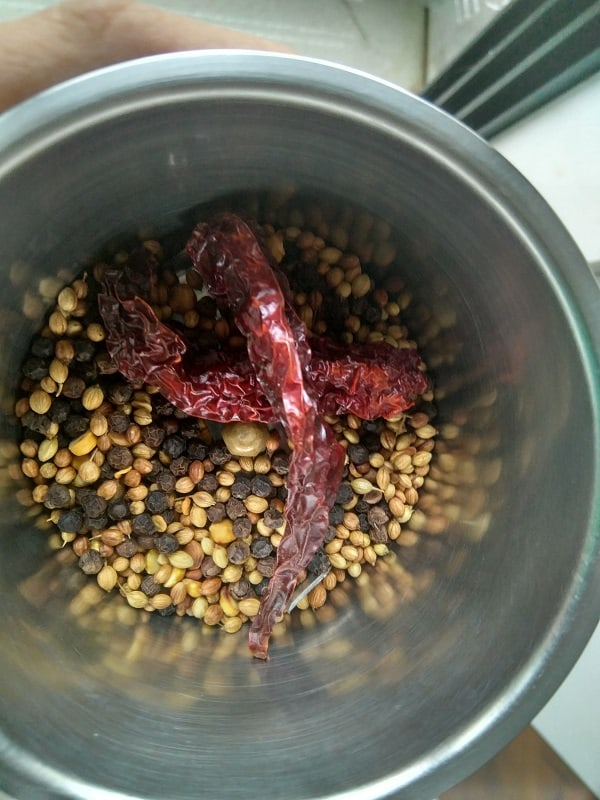 Cooling and grinding the dry masala