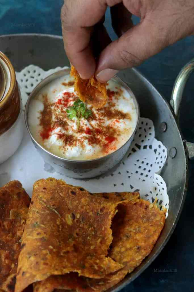 Lauki Thepla served with curd