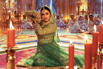 dance with Madhuri Dixit, masalamommas