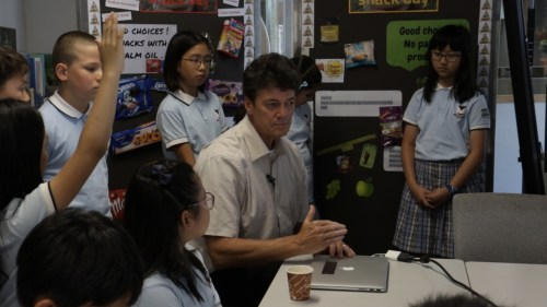 Willie with extremely interested and knowledgeable students at the Victoria Shanghai Academy.