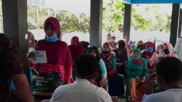 Bansos Jabar Tahap Ketiga Disalurkan ke KPM di Desa Masawah