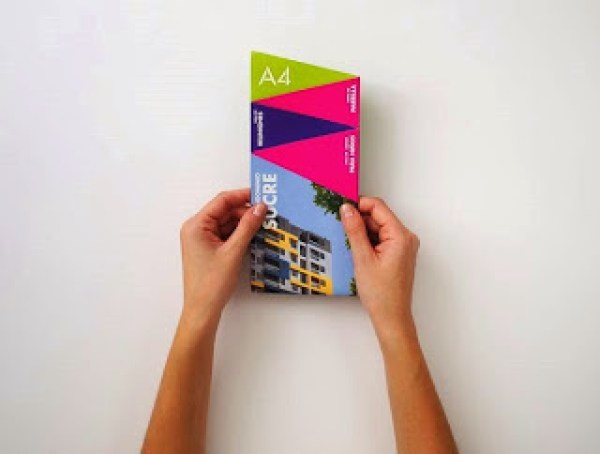 Contoh desain brosur desain kreatif - Real Estate Company 1