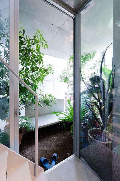 Desain Interior Terbaik Untuk Rumah Sempit - Garden and House by Ryue Nishizawa 2