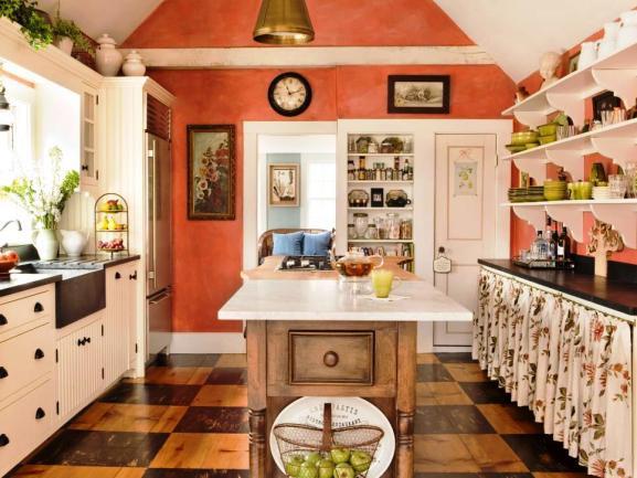 Menentukan Warna Cat Dapur Rumah - Judy-Labins-ONeil-milk-paint-coral-kitchen-walls