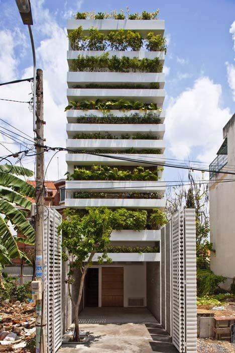 Desain Interior Terbaik Untuk Rumah Sempit - Stacking Green by Vo Trong Nghia 1
