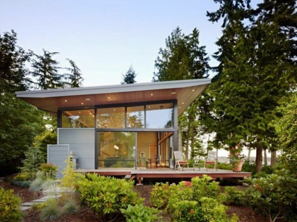 Tips Merenovasi Rumah Menjadi Type Minimalis - Sustainable-glass-home-in-usa-opening-up-towards-a-perfect-landscape
