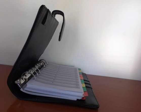 Pentingnya Buku Agenda Kerja Harian untuk Perusahaan - Buku-Agenda-Percetakan-Ayuprint-Karawang-DSCF1986-557x441