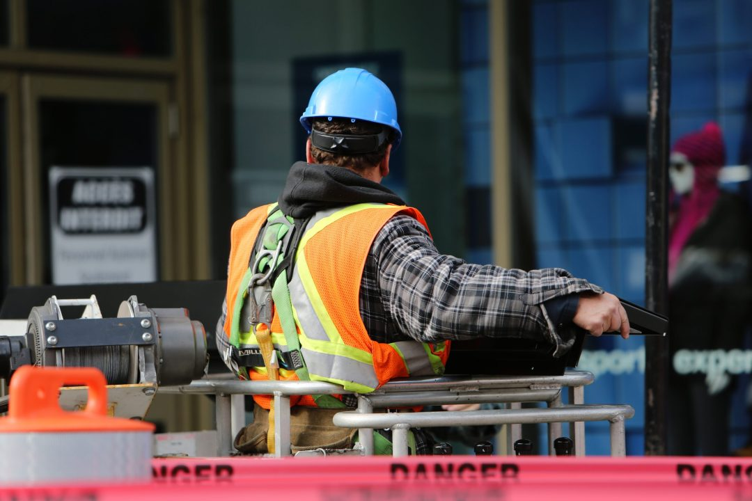 Top Aerial Lift Safety Violations and How to Avoid Them