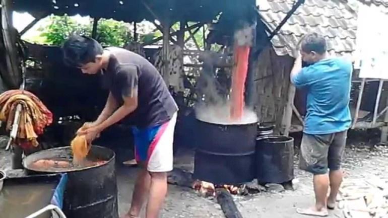 Cara Membuat Motif Batik: Langkah Keenam Membuat Batik Sederhana