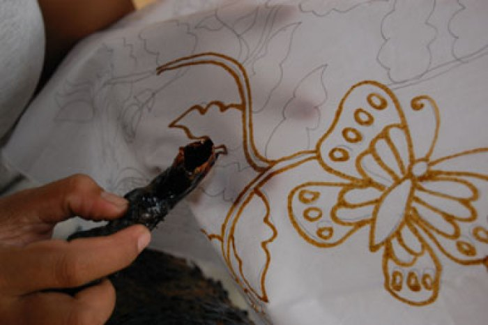 Cara Membuat Motif Batik: Langkah Pertama Membuat Batik