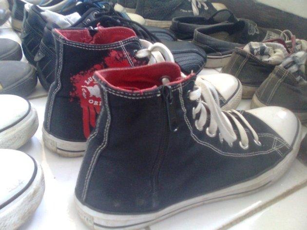 sepatu sekolah converse